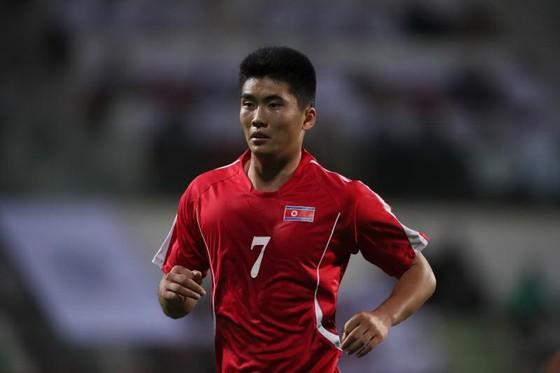 Chân sút Han Hwang-song. Ảnh: Getty Images