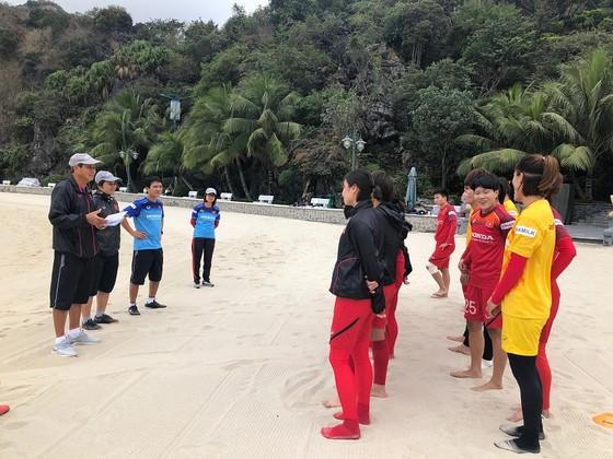 ĐT nữ Việt Nam kết thúc chuyến tập huấn tại Quảng Ninh ảnh 1