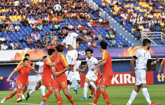 Uzbekistan may mắn đi tiếp ở VCK U23 châu Á 2020 ảnh 1