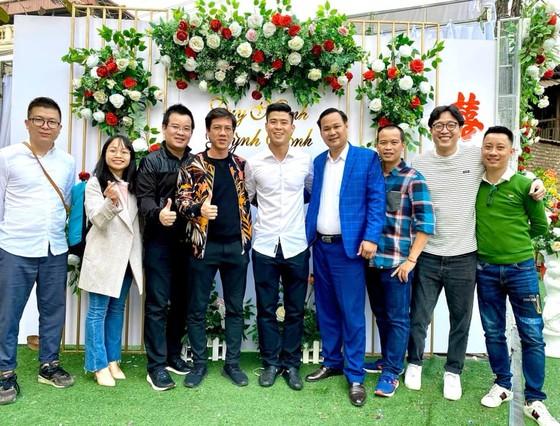 Dàn tuyển thủ Việt Nam 'trẩy hội' đi ăn cưới Duy Mạnh  ảnh 2