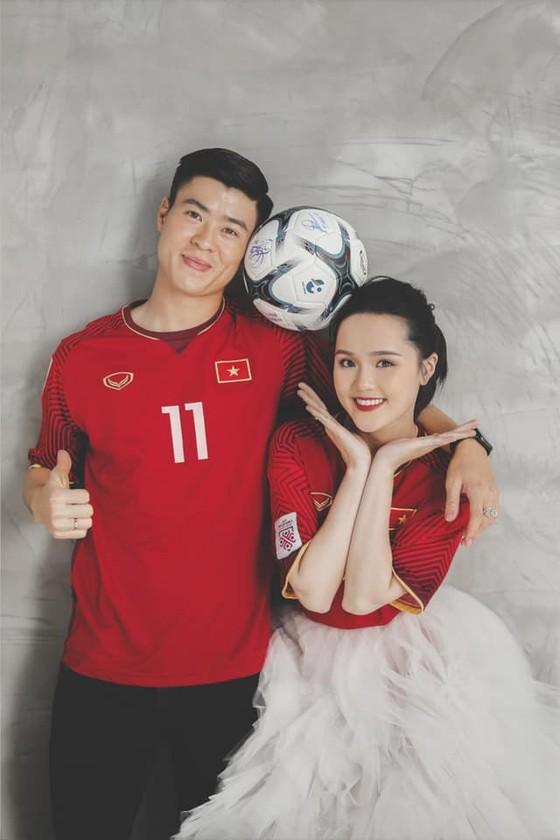 Dàn tuyển thủ Việt Nam 'trẩy hội' đi ăn cưới Duy Mạnh  ảnh 1