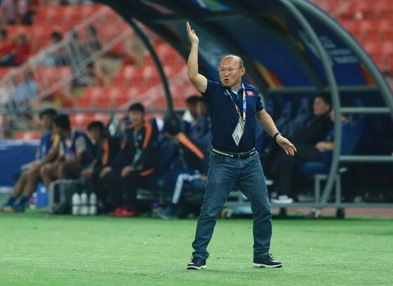 Ông Park bị cấm chỉ đạo 4 trận trong khuôn khổ các trận giao hữu. Ảnh: MINH HOÀNG