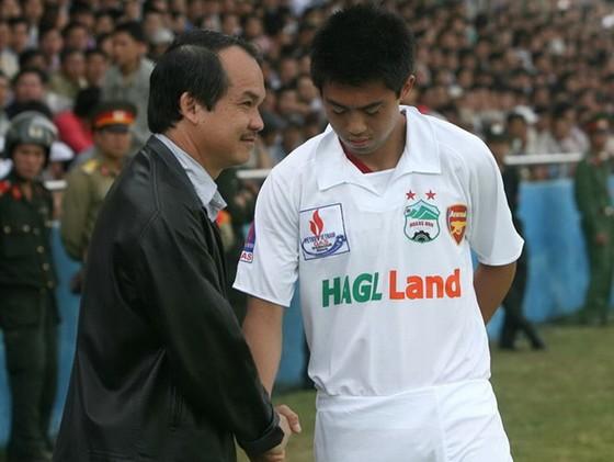 Lee Nguyễn từng không thành công khi thi đấu ở HA.GL. Ảnh: BẠCH DƯƠNG