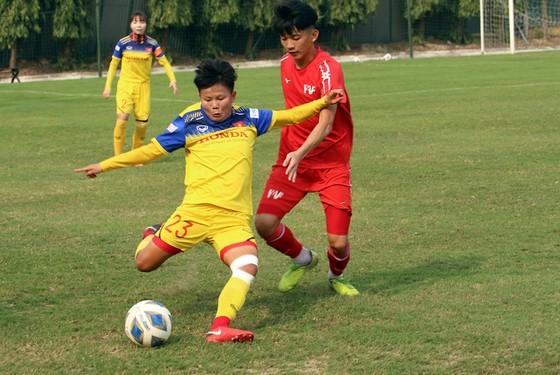 ĐT nữ Việt Nam thua trận tập huấn đầu tiên ảnh 2