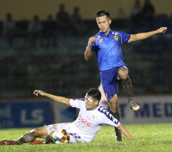 Đội bóng xứ Quảng sẽ gặp nhiều khó khăn trên sân Lạch Tray ở vòng 2. Ảnh: Viết Định