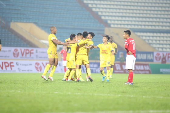 CLB Nam Định có chiến thắng đầu tiên ở LS V-League 2020 ảnh 2