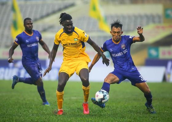 Chủ tịch VFF hy vọng quả bóng LS V-League sẽ sớm lăn trở lại ảnh 1