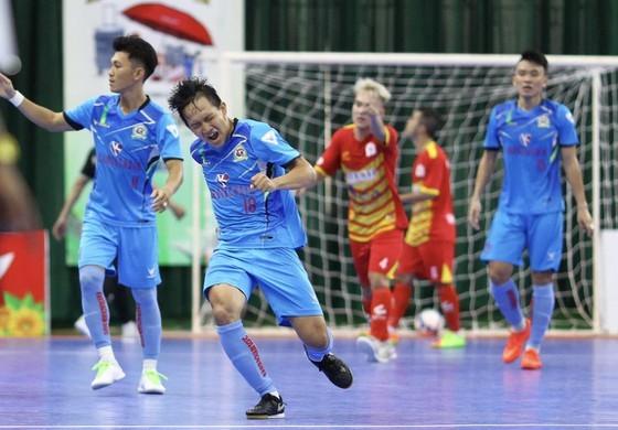 Các đội futsal Việt Nam đối phó dịch Covid-19 thế nào? ảnh 1