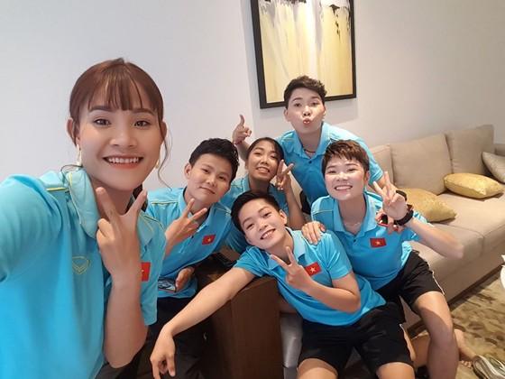 Chương Thị Kiều cùng các đồng đội ở ĐT Việt Nam.