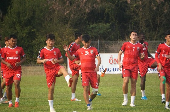 Các đội bóng Việt Nam rục rịch hội quân  ảnh 1