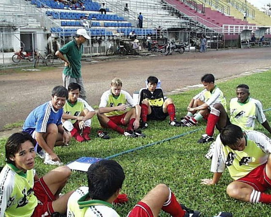 Đội bóng V-League nào sử dụng nhiều HLV nhất? ảnh 1