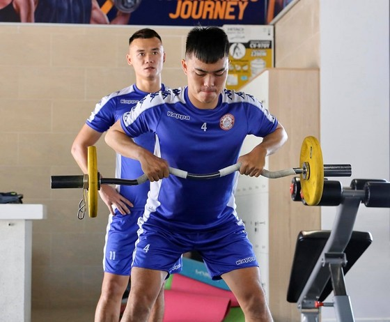 Cầu thủ Việt Nam đối diện màn 'tra tấn' thể lực  ảnh 1