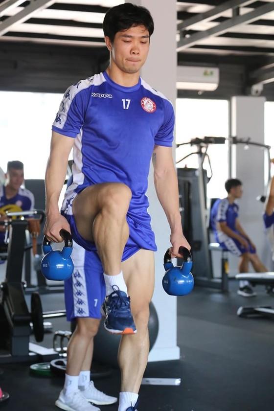 HLV Chung Hae-seong: Cầu thủ CLB TPHCM chuyên nghiệp nhất ảnh 3