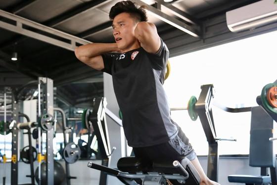 HLV Chung Hae-seong: Cầu thủ CLB TPHCM chuyên nghiệp nhất ảnh 2