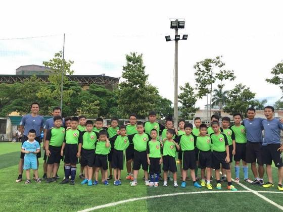 Văn Trương trở lại với bóng đá cộng đồng.