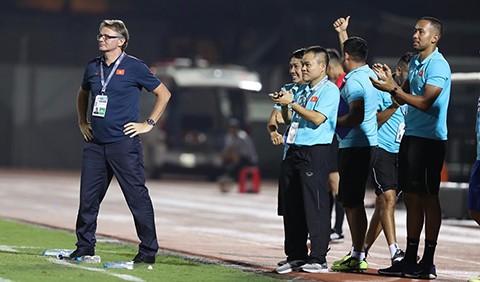 Thầy trò đội U19 Việt Nam cùng hướng đến tấm vé đi dự World Cup.