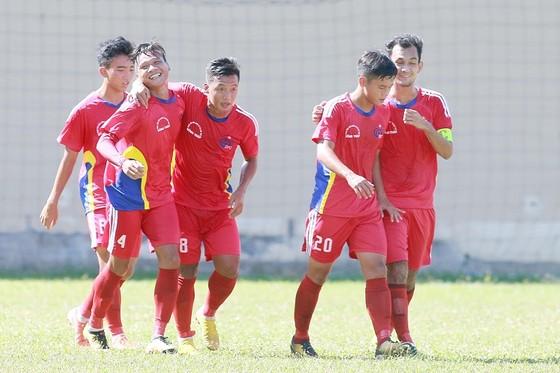 Cả đội hình chính U21 Đồng Tháp bị kỷ luật vì tiêu cực ảnh 1