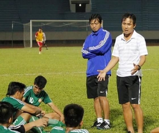 Quả bóng Vàng Việt Nam 2010  và nhiều áp lực trước mùa giải mới  ảnh 1