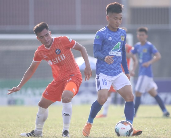 Đức Chinh ghi bàn, CLB Đà Nẵng nhọc nhằn giành vé vào vòng 1/8 ảnh 2