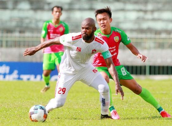 HLV Lê Huỳnh Đức lý giải nguyên nhân các đội V-League gặp khó trước đại diện hạng Nhất ở Cúp Quốc gia ảnh 1