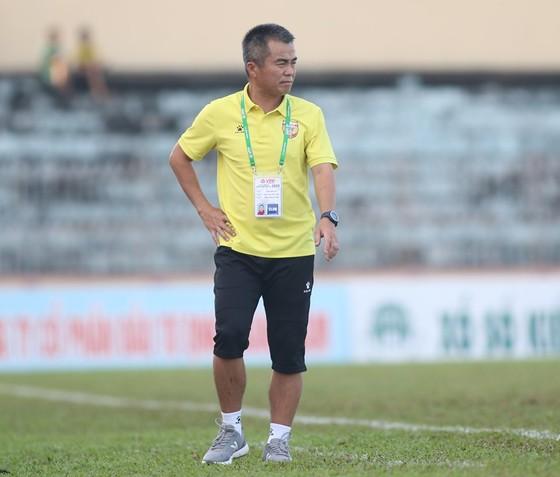 HLV Phạm Minh Đức thừa nhận Hà Tĩnh may mắn đánh bại Quảng Nam ảnh 1