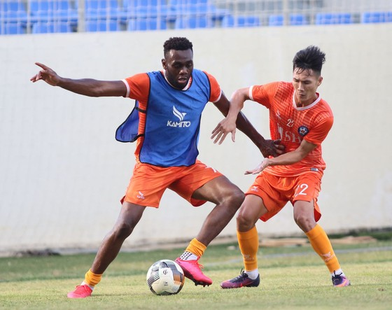 Hà Đức Chinh lại vắng mặt ở vòng 3 LS V-League 2020 ảnh 1