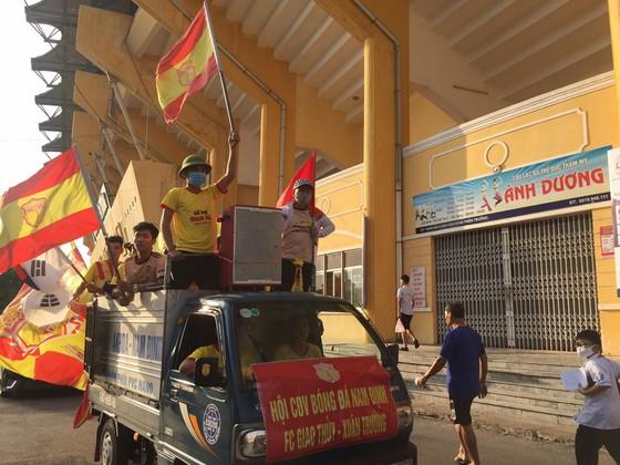 """CĐV Nam Định tiếp tục """"gieo sầu"""" cho đội nhà ảnh 1"""