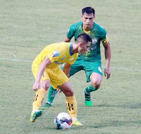 Vòng 3 giải hạng Nhất 2020: Bình Định và Khánh Hòa thẳng tiến? ảnh 1