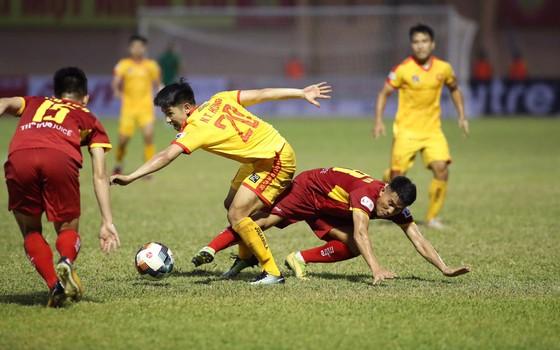 CLB Hà Nội - SLNA: Đỉnh cao của hai trường phái tấn công - phòng ngự  ảnh 1