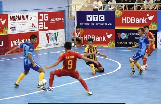 Kardiachain Sài Gòn thắng dễ Vietfootball.
