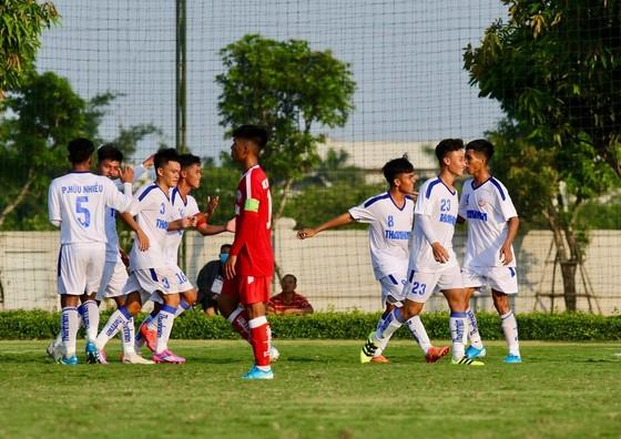 Cùng bỏ lỡ hàng tá cơ hội, U19 PVF và HA.GL 1 chia điểm ảnh 1