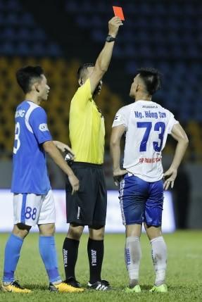 Than Quảng Ninh thắng CLB Quảng Nam nhờ 2 quả phạt 11m ảnh 1