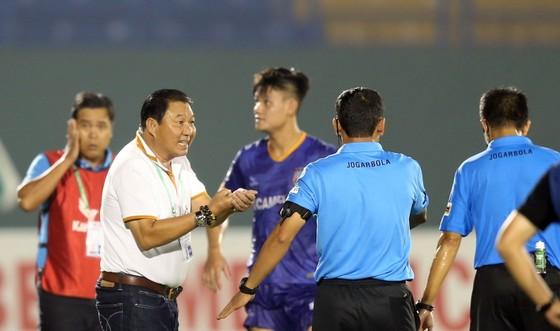 Hà Nội FC giành 3 điểm trên sân Bình Dương trong trận đấu nhiều tranh cãi ảnh 6