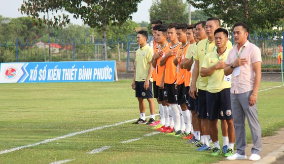 Thua hai trận liền, ghế của HLV Nguyễn Đức Thắng bắt đầu lung lay.  ảnh 2