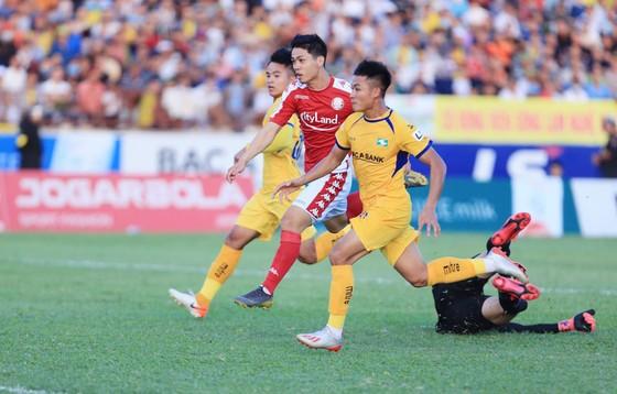 Công Phượng cùng CLB TPHCM đang dẫn đầu LS V-League 2020.