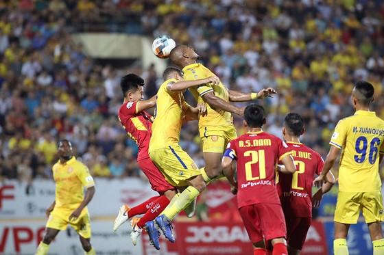 Đánh bại SLNA, CLB Nam Định chấm dứt chuỗi 4 trận thua liên tiếp   ảnh 1