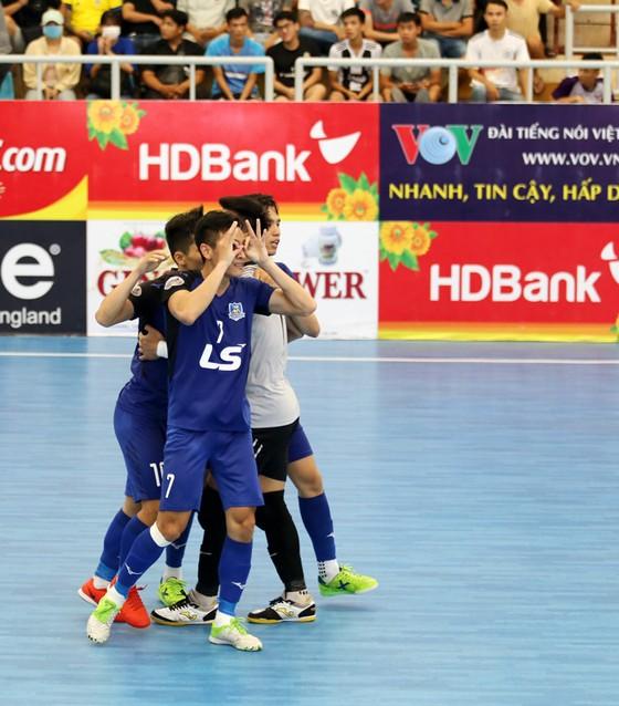 Liên tiếp thắng 2 đội chủ nhà, Thái Sơn Nam củng cố ngôi đầu bảng ảnh 1