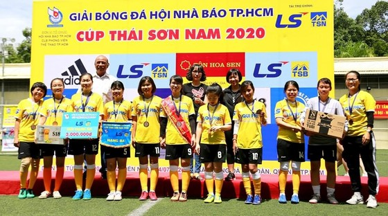 Giải bóng đá Hội Nhà báo TPHCM – Cúp Thái Sơn Nam 2020: Liên quân VOH+FPT lên ngôi vô địch  ảnh 2