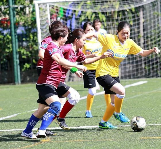 Trận tranh hạng Ba bóng đá nữ giữa đội báo SGGP và Pháp luật TPHCM