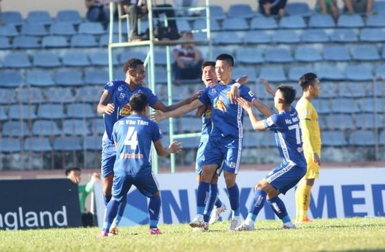 Quảng Nam cảm nhận lại niềm vui chiến thắng sau khi thay HLV. Ảnh: Viết Định