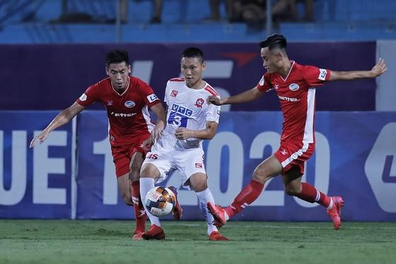"""Viettel """"đè bẹp"""" Hải Phòng đến 4-0 trên sân Hàng Đẫy. Ảnh: MINH HOÀNG"""