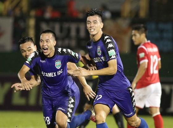 HLV Nguyễn Thanh Sơn: Sơ xuất của trọng tài vốn là 1 phần của bóng đá ảnh 1