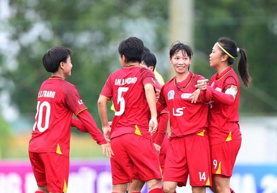 Huỳnh Như lập siêu phẩm đưa TPHCM vào tranh chung kết giải bóng đá nữ Cúp Quốc gia 2020 ảnh 1