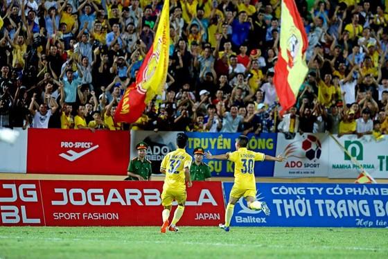 Nam Định chật vật giành 1 điểm trên sân nhà ảnh 3