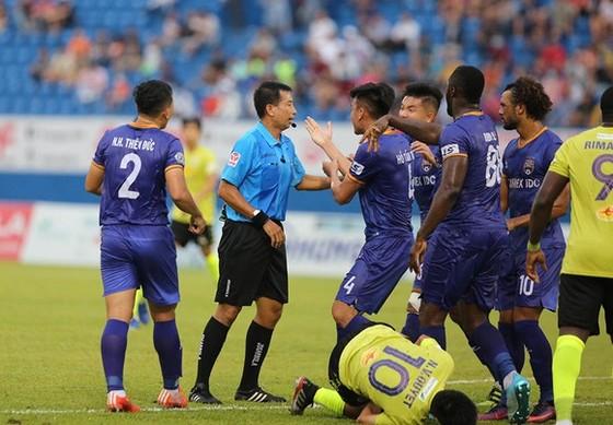 Vòng 11 LS V-League 2020: Vừa đá vừa lo ảnh 2