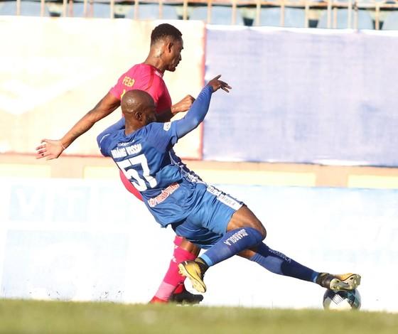 Đội đầu bảng Sài Gòn FC chia điểm kịch tính với CLB Quảng Nam ảnh 2