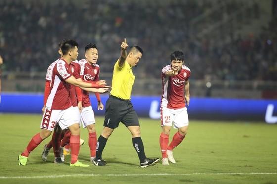 Công Phượng và đồng đội trở lại tập luyện, chờ ngày V-League 'tái xuất' ảnh 1
