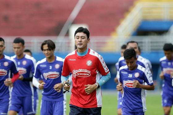 HLV Chung Hae-song (CLB TPHCM): 'Chuyện quá khứ, tôi xóa rồi!'  ảnh 2