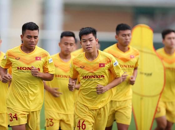 Hồ Thanh Minh: chàng dân tộc Tà Ôi từ chối cơ hội vào Công an để theo bóng đá ảnh 1