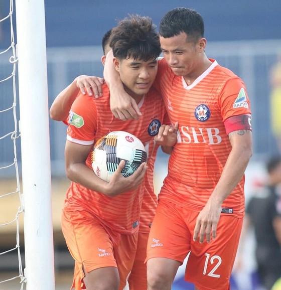 Cả V-League 'nín thở' chờ kết quả của hai đội Đà Nẵng, Quảng Nam ảnh 1